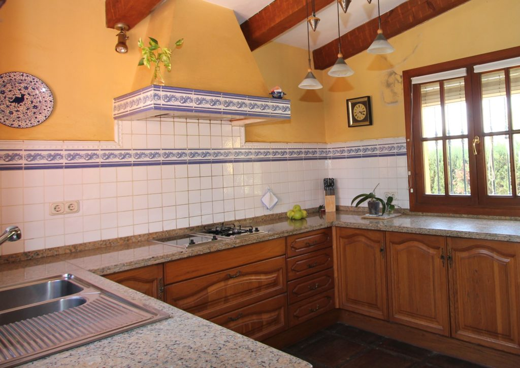 Finca with separate guest house estepona 650 000 for Kitchen room estepona