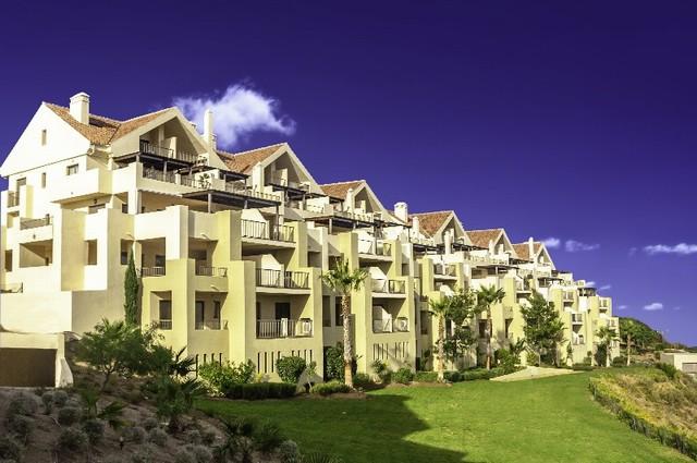 La Cala apartments Hills Club